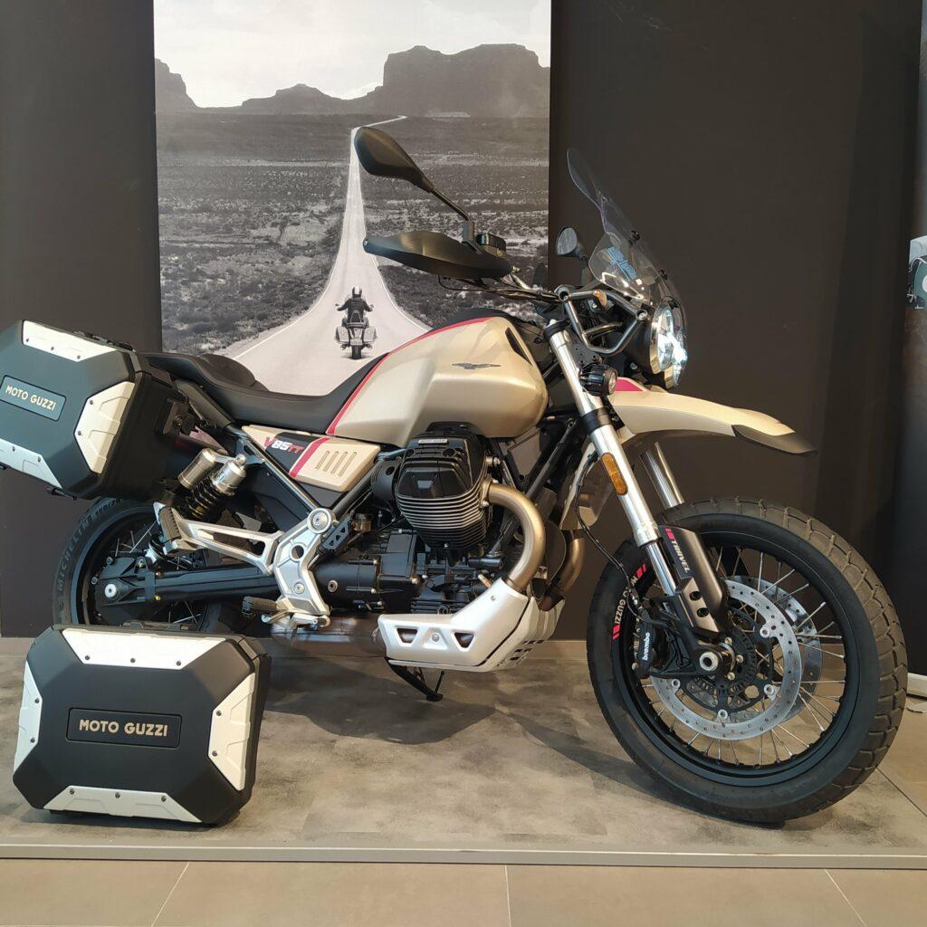 Moto Guzzi V85 TT Travel e4 - chollomotos.com